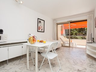 294 m from the center of Cannes with Internet, Lift, Terrace, Washing machine (7