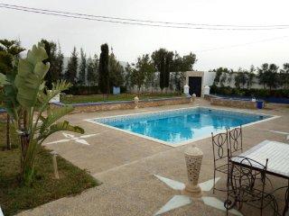Villa-de-charme-avec-piscine-sans-vis-a-vis