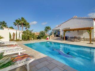 Villa con vista al mar y piscina! Ref. 182462