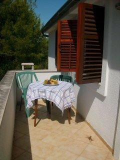 H Pierida (8+4): terrace