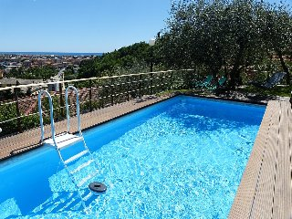 Chiavari Villa Sleeps 6 with Pool Air Con and WiFi - 5229296