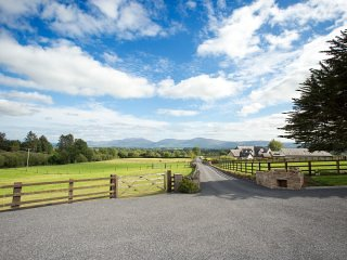 BOOLAKENNEDY Boutique Farm Cottages, vacation rental in Tipperary