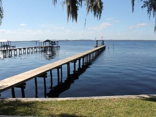 Rivers Edge, 3 Bedroom, 2 Bath, Sleeps 8, Private Dock, River Front
