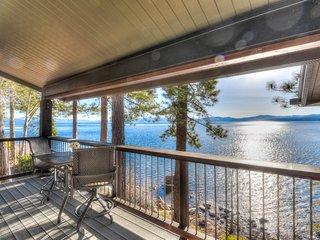High End Lakefront Home in Brockway Springs Resort