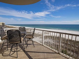 3 BR ~ 3 Bath ~ Gulf Front ~ Sleeps 8 ~ Close to FloraBama ~ All Tile ~ Spanish