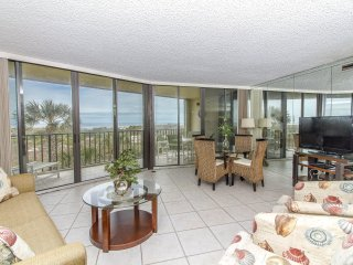 Atlantic Ocean Front Condo directly on the Beach - CHECK OUT THE VIEWS!