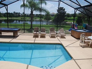 Disney is SUPER close, Pool, Spa, Game room, Free WiFi, Private backyard, Lake