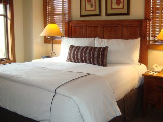 Sheraton Desert Oasis Large Premium 1 bdrm, sleeps 4, Dec 22-29, Only $699/Week!