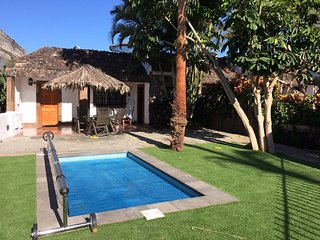 VILLA TROPICAL CON PISCINA PRVADA