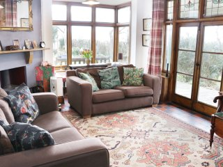 HILL BROW, all ground floor, woodburner, parking, decked terrace, in Church Stre