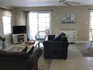 Convention Center Events & Vacations. Gorgeous 4 Bdrm,2bath, 1.5b2beach, 3cars.