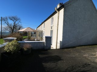 ATLANTIC VIEW, pet friendly, country holiday cottage, with a garden in Kilbritta