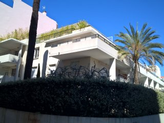 Luxury Two Bedroom Apartment Equidistant between Juan Les Pins & Antibes