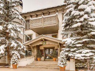 Villa Cortina 330