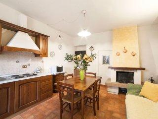 Grande appartamento con 2 camere e 2 bagni free wi-fi piscina e barbecue