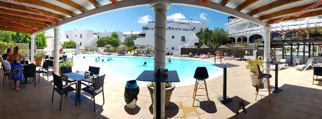 Small pool (the depth max 80cm)