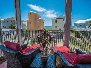 Upscale, casual, pet friendly, north cape, coastal-style beach house!