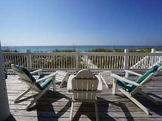 4 Bedroom home just steps to the emerald gulf waters! North Cape, Gulf Front.