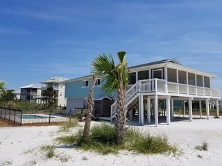 North Cape San Blas beach retreat with private pool, just steps to the beach!