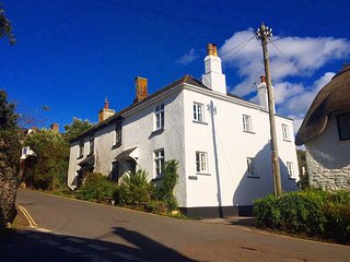 Lovely 3 bed cottage in the centre of Thurlestone, Nr Salcombe, South Devon