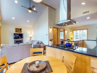 Lovely home w/ private hot tub - ideal location, year-round outdoor activities!
