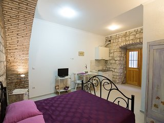 Budget Old Town - Studio with Sofa Bed - Resticeva Street 1