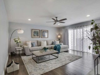 A Luxury Townhome Fit for a King! Minutes to Old Town Scottsdale, Fitness