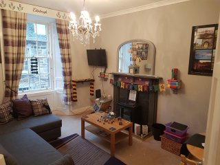 Fun Filled Harry Potter Themed Family Apartment. On famous Rose Street!!