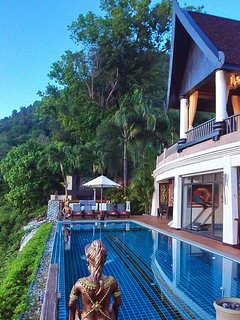 Infinity Pool downstair, 14 meter with separate children pool