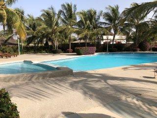 Villa de 3 chambres et 2 salles de bain dans une résidence calme avec piscine
