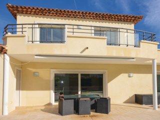 4 bedroom Villa in Boulouris-sur-Mer, Provence-Alpes-Cote d'Azur, France : ref 5