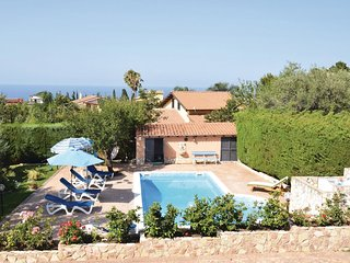 3 bedroom Villa in Contrada Santoro, Sicily, Italy : ref 5574673