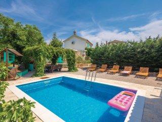 3 bedroom Villa in Rasopasno, Primorsko-Goranska Zupanija, Croatia : ref 5574710