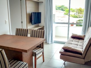 Moderno e aconchegante apto 2 qtos (1 suíte) em Canasvieiras. Wi-Fi, Piscina