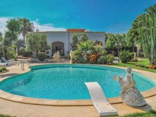 5 bedroom Villa in Lamalunga, Apulia, Italy : ref 5574712