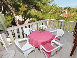 Sumartin Apartment Sleeps 5 with Pool Air Con and WiFi - 5459706
