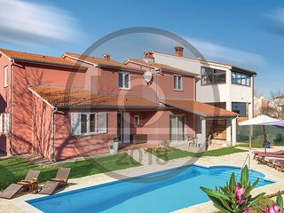 5 bedroom Villa in Valbandon, Istria, Croatia : ref 5574797