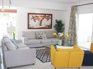 Relax in this elegantly furnished Condo