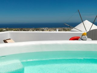 'Drops' Entire Private Villa Accommodates 15!!!  #authenticsantorini