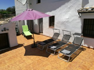 Sunbeds, Umbrella Shades and Pool Towels provided