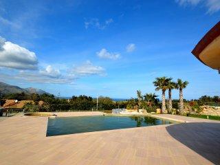 SC026 Villa con piscina privata 8 posti vista mare con parcheggio, bbq, clima
