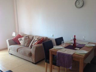 Two bedroom 1 bathroom 2nd floor apartment, sleeps 4