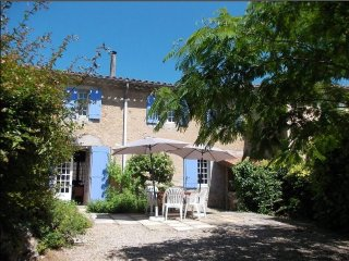 La Dame Blanche: big 16th century house in delightful village with swimming lake