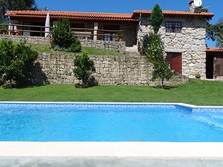 Country house with private swimming pool and entertainment lounge