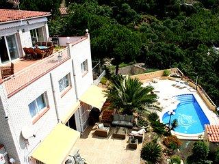Lloret de Mar-Villa down, seaview and swimmingpool for max 6 persons