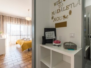 Madalena´s 1 bedroom near beach with WIFI/Pool/Parking
