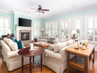 Luxury Home w/ Large Porches & OCEAN VIEWS! Perfect for Families/Groups!