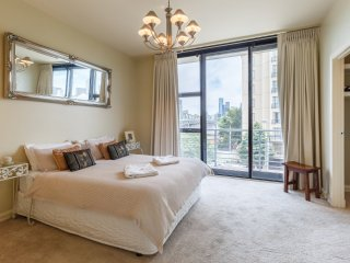 French Flair with MCG & City Views