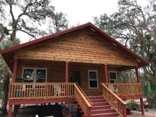 Brand New 2 Bedroom Cedar Log Home (sleeps 12)
