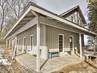 Rustic Custom Home - 3 Min from Fish Creek Harbor!